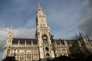 Majestosa Fraunkirfche em Marienplatz